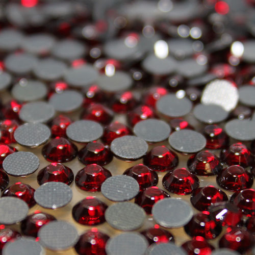 1000 Strass s6 hotfix 2,1mm couleur n°138 rouge vin